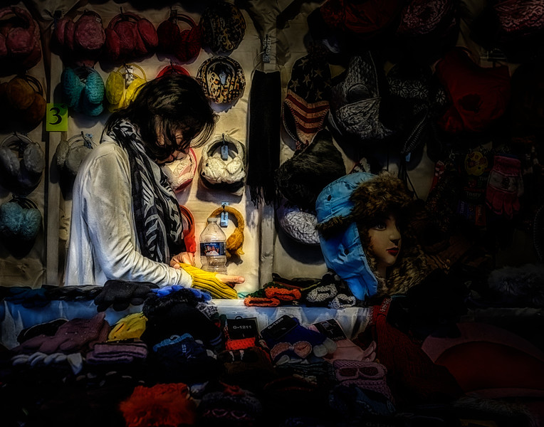 Glove Seller